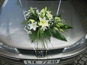 Na auto nevěsty, již objednána
