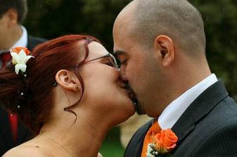 Prví manželský polibek