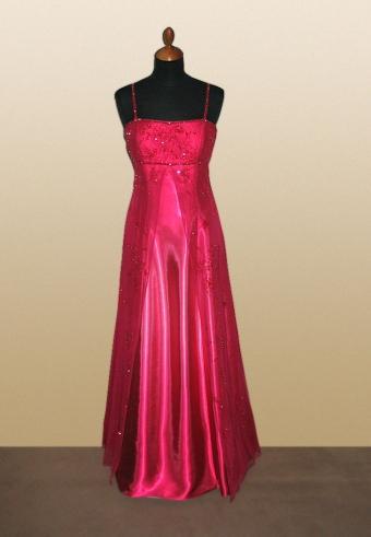 Isabella - Uplne super popolnočné šaty :-) Ale ja som si nakoniec dala ušiť... Sukňa bude do A z tmavočerveného saténu... A vrch podobne urobený ako na obr. 15.. len s krátkymi rukávmi... t.j. čipka...:-)