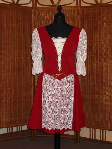 Isabella - Kroj na redový tanec...podobný červený už mám zarezervovaný...:-)