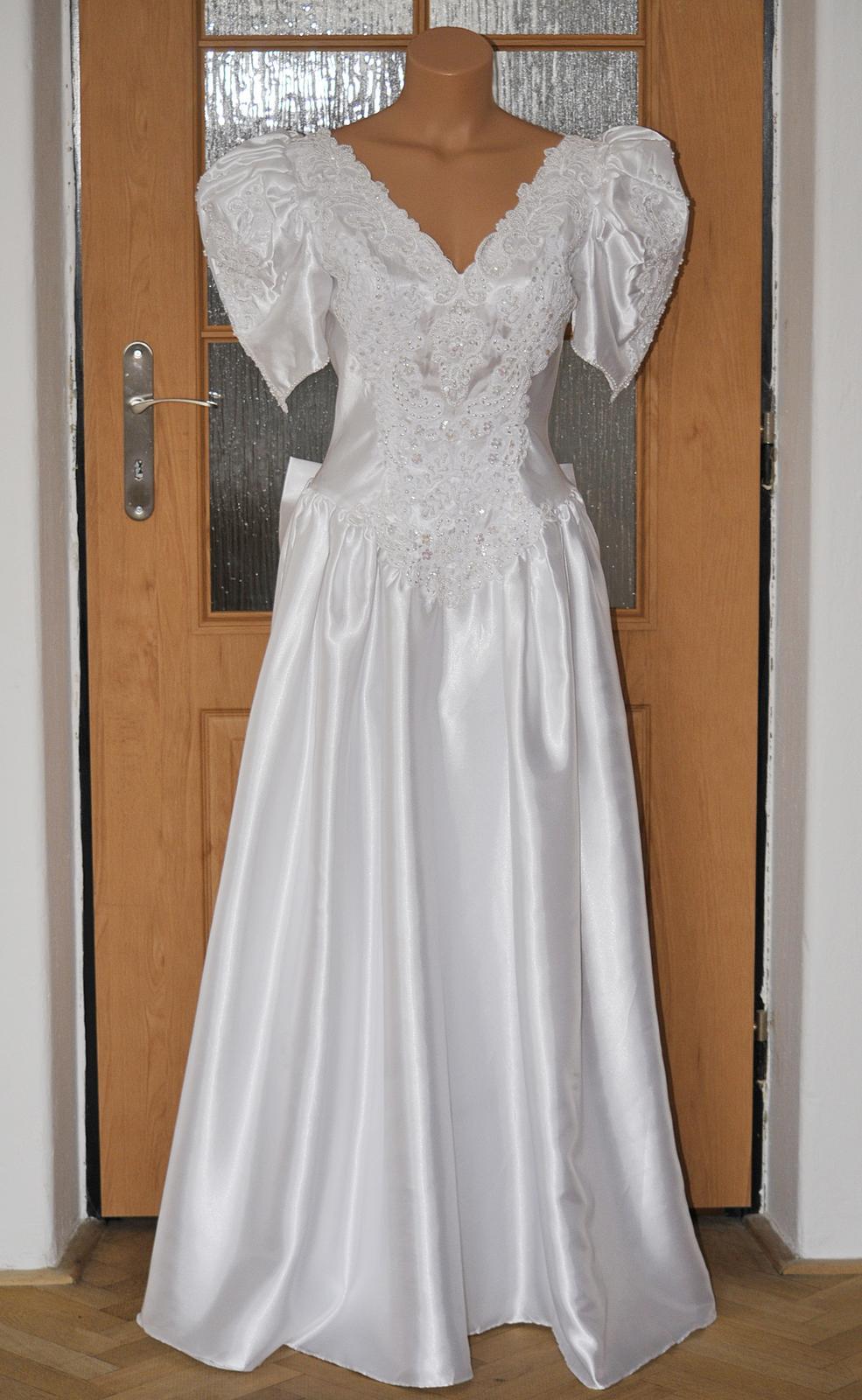 Retro svadobné šaty - Obrázok č. 1