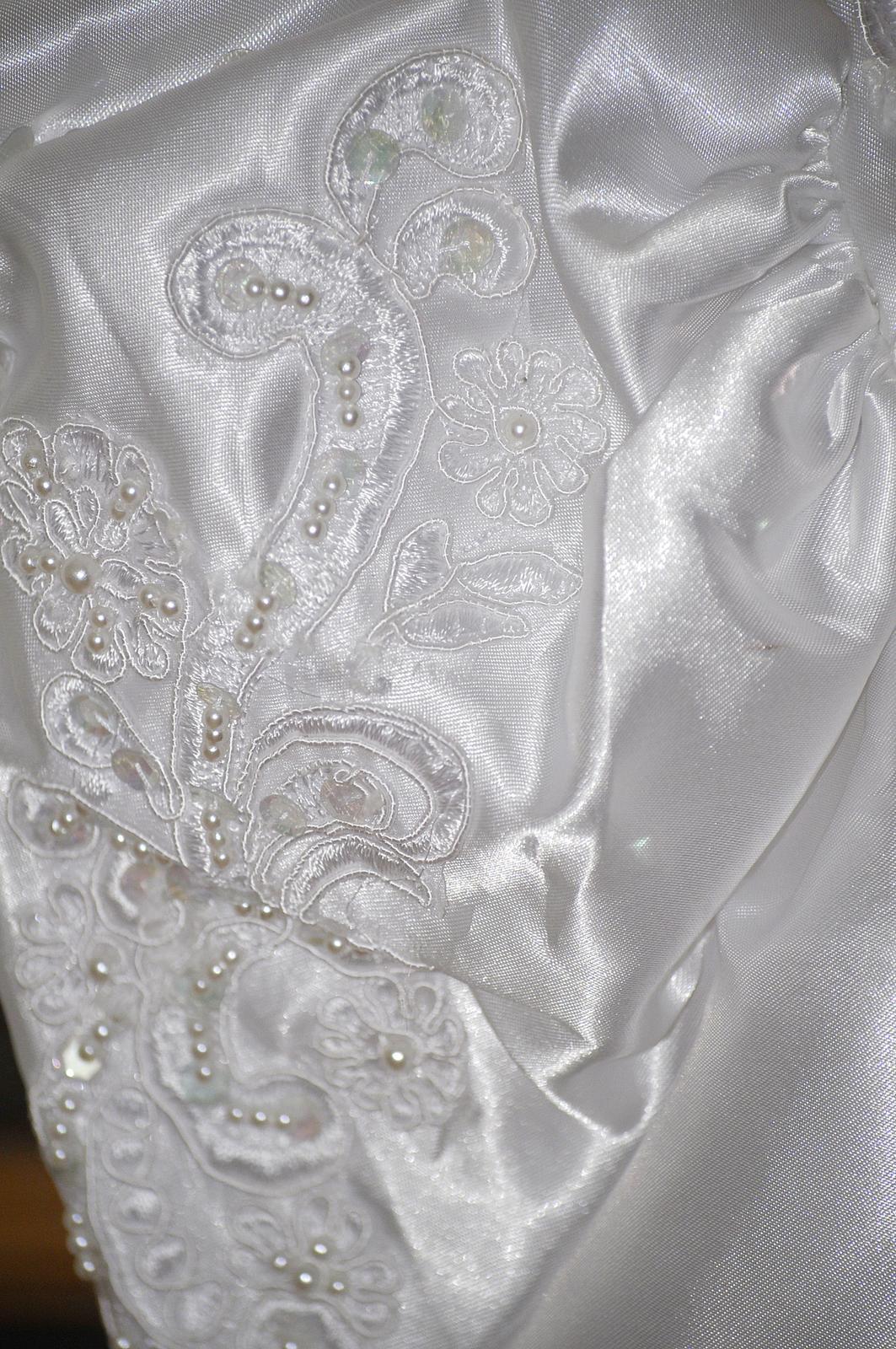 Retro svadobné šaty - Obrázok č. 2