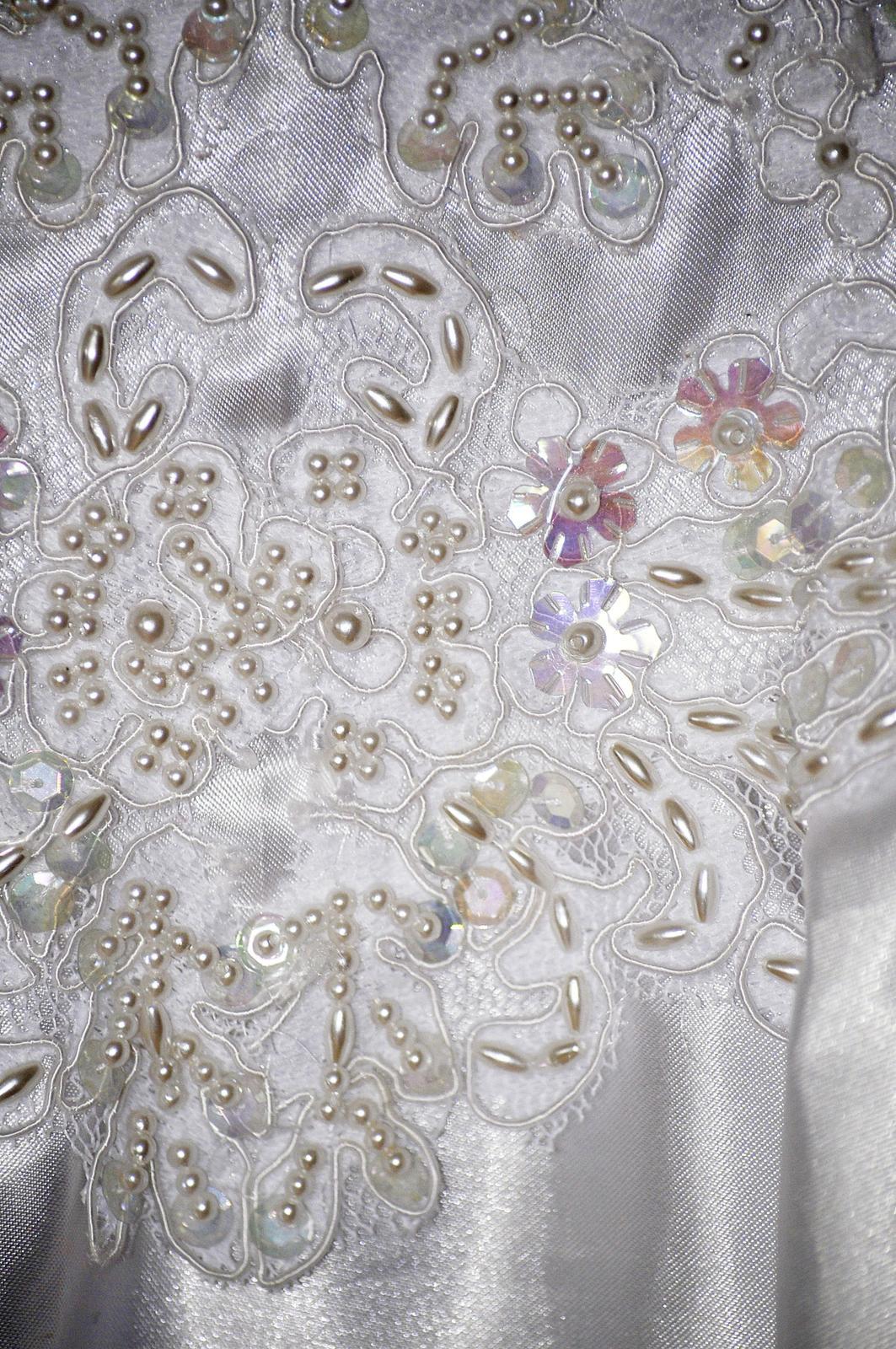 Retro svadobné šaty - Obrázok č. 3