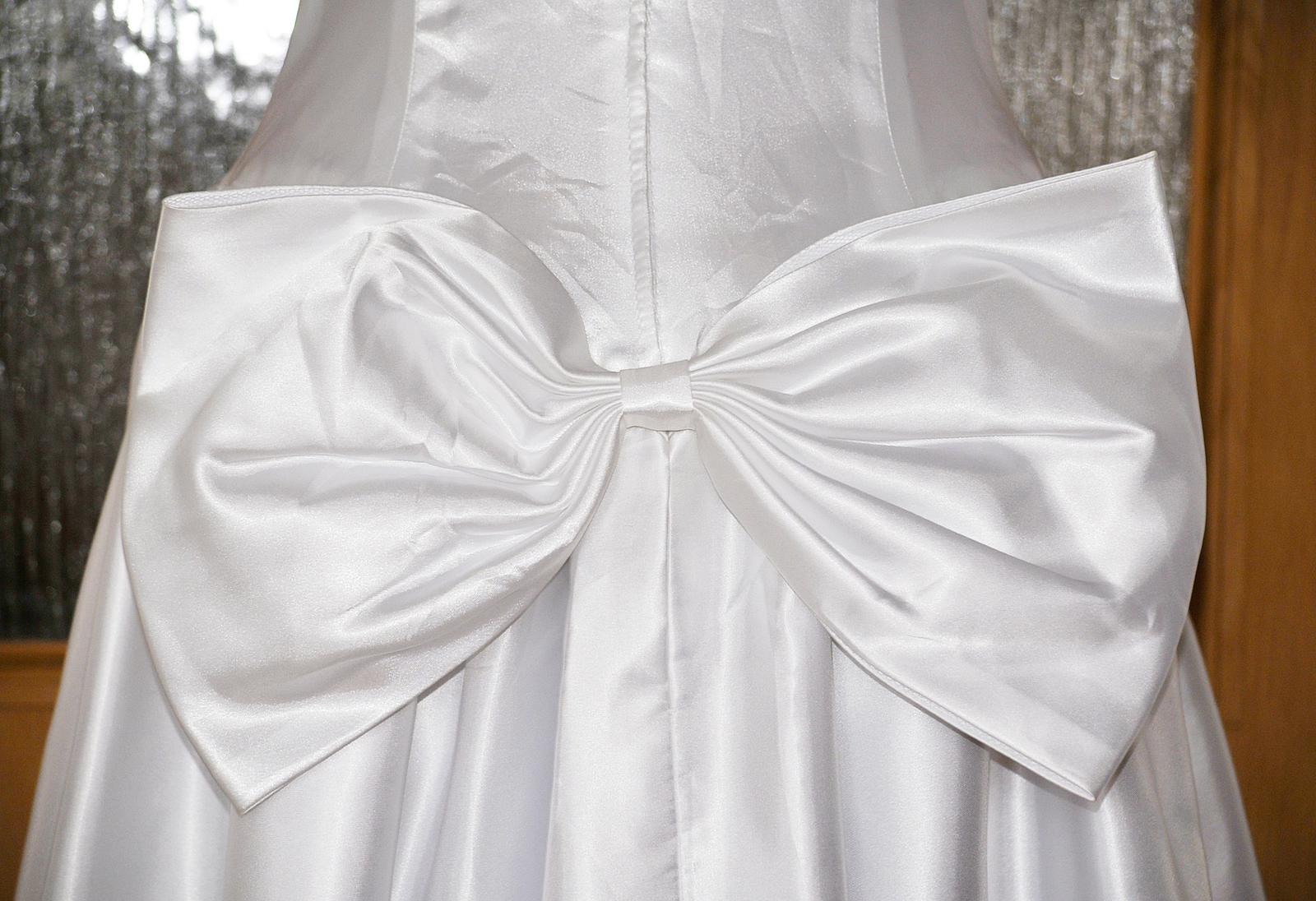 Retro svadobné šaty - Obrázok č. 4