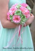 Svatební kytice mint-růžová,