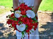 Svatební červená kytice + korsáž ,