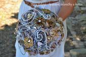 Brožová svatební kytice - stříbrno zlatá,