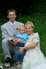 s naším mácínkem, kterému bylo ve svatební den bez pár dní 15 měsíců