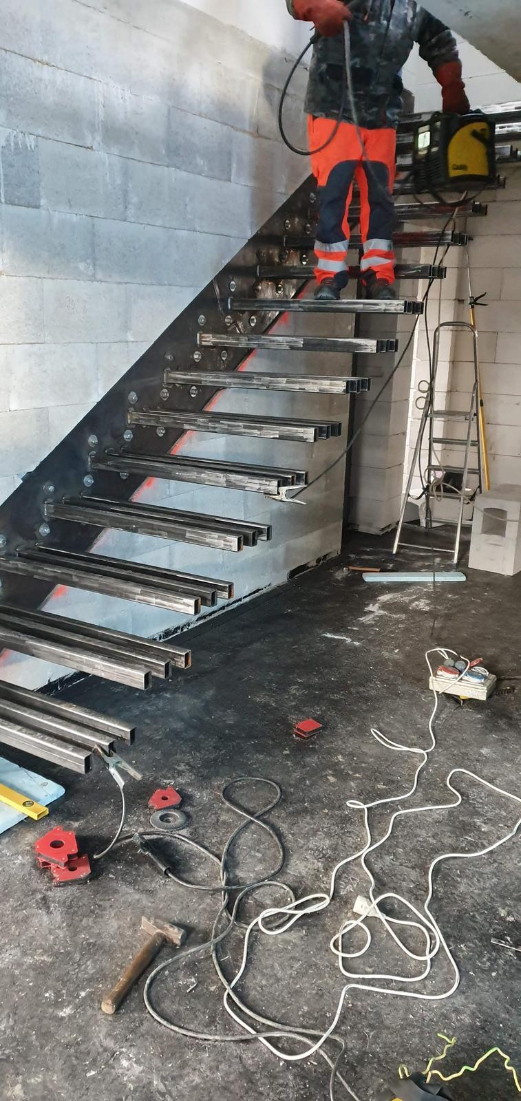 Konzolove schodisko (samonosne schody) - Obrázok č. 15