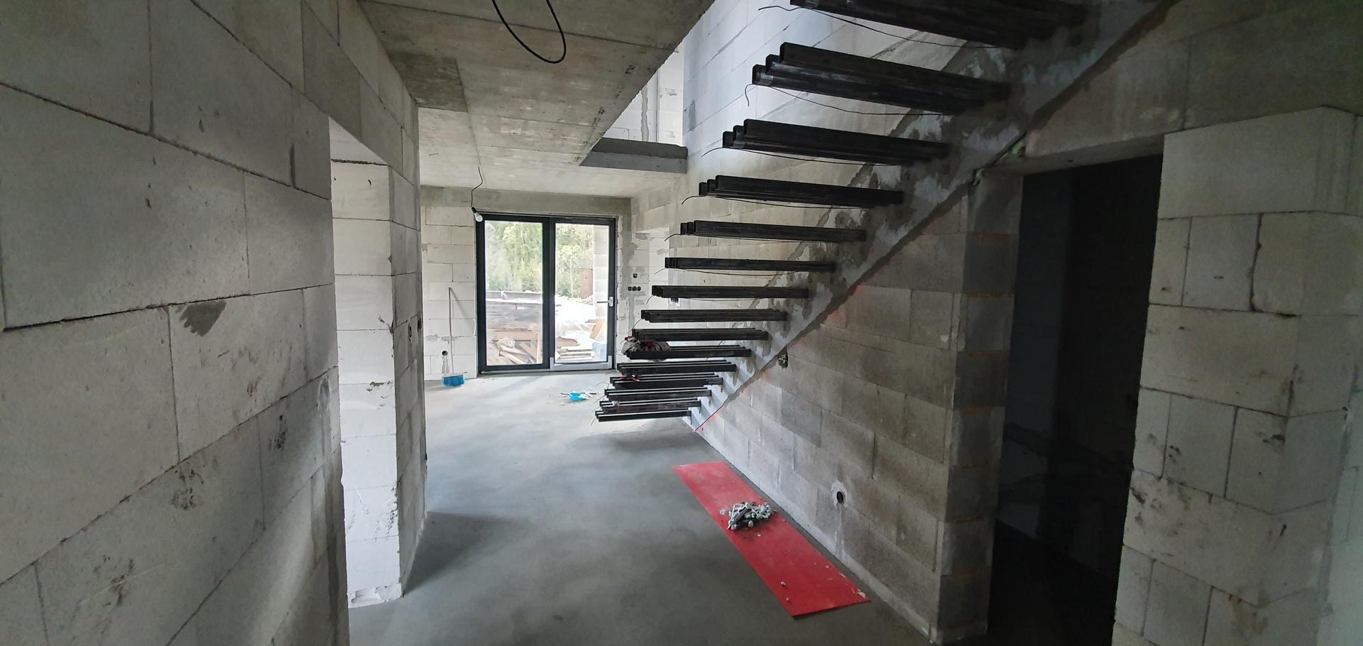 Konzolove schodisko (samonosne schody) - Lepenie XPS