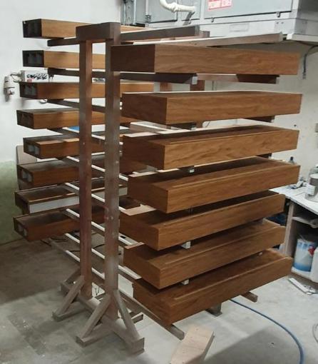 Konzolove schodisko (samonosne schody) - schody cakaju na druhy nater olejom :)