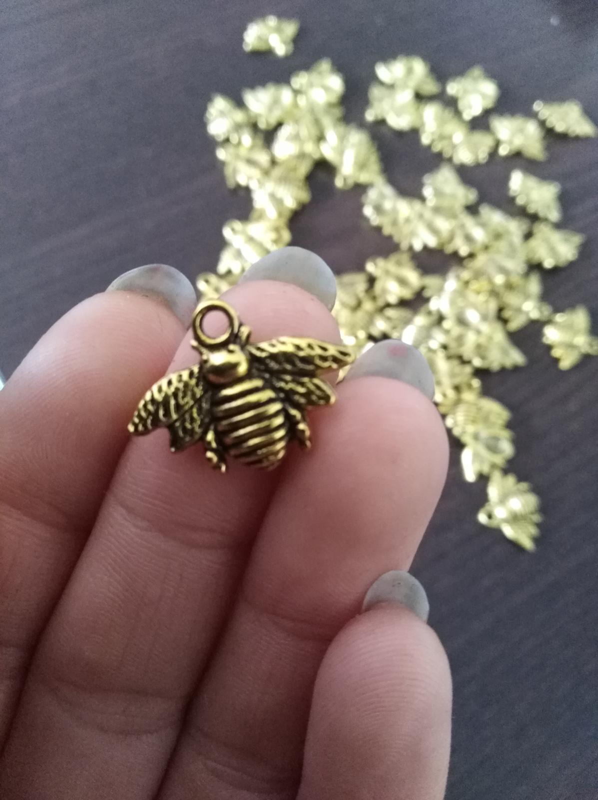 Všetko čo už máme - Včeličky na domáci medík a možno ich použijem aj na menovky  :)