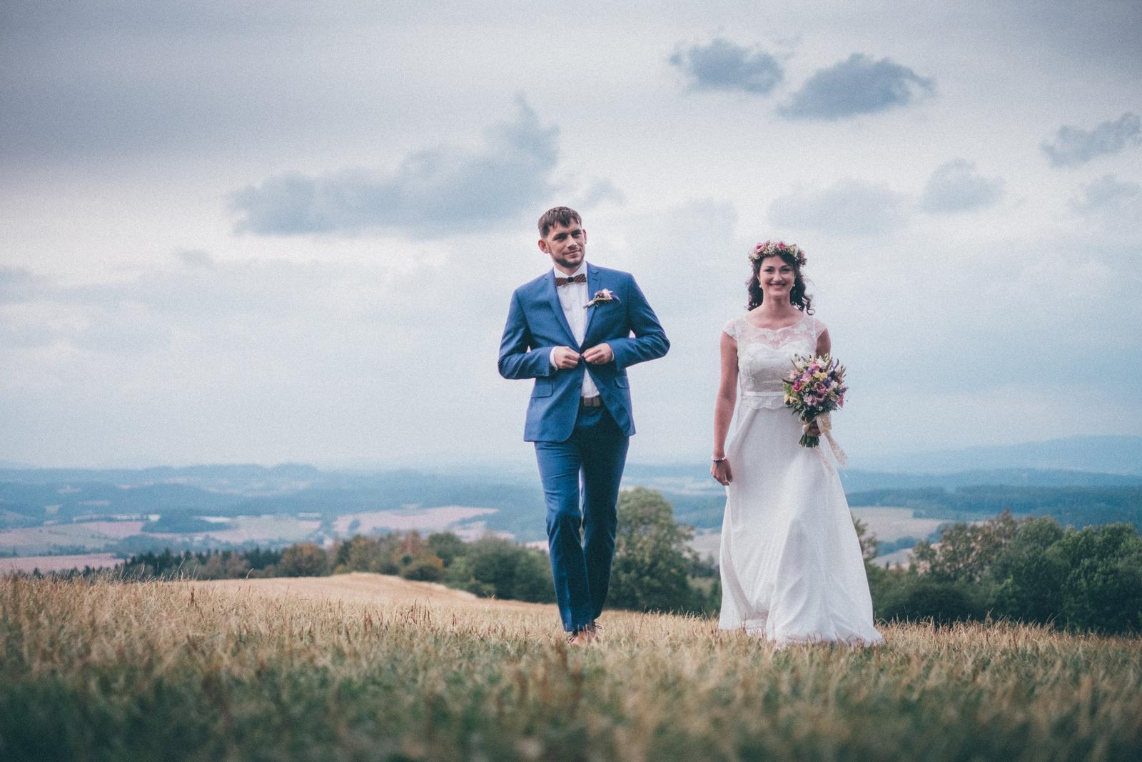 Lehké a pohodlné svat. šaty jako na vílu, 40 - 42 - Obrázek č. 1