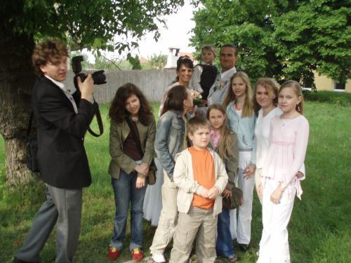 Adriána Brezovská{{_AND_}}Juraj Kleman - deti z tanečného súboru Butterfly a fotograf Šaman - bol skvelý !
