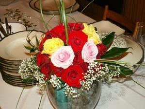 kytica z ruží, ktoré sme dostali od spolutanečníkov, ďakujeme