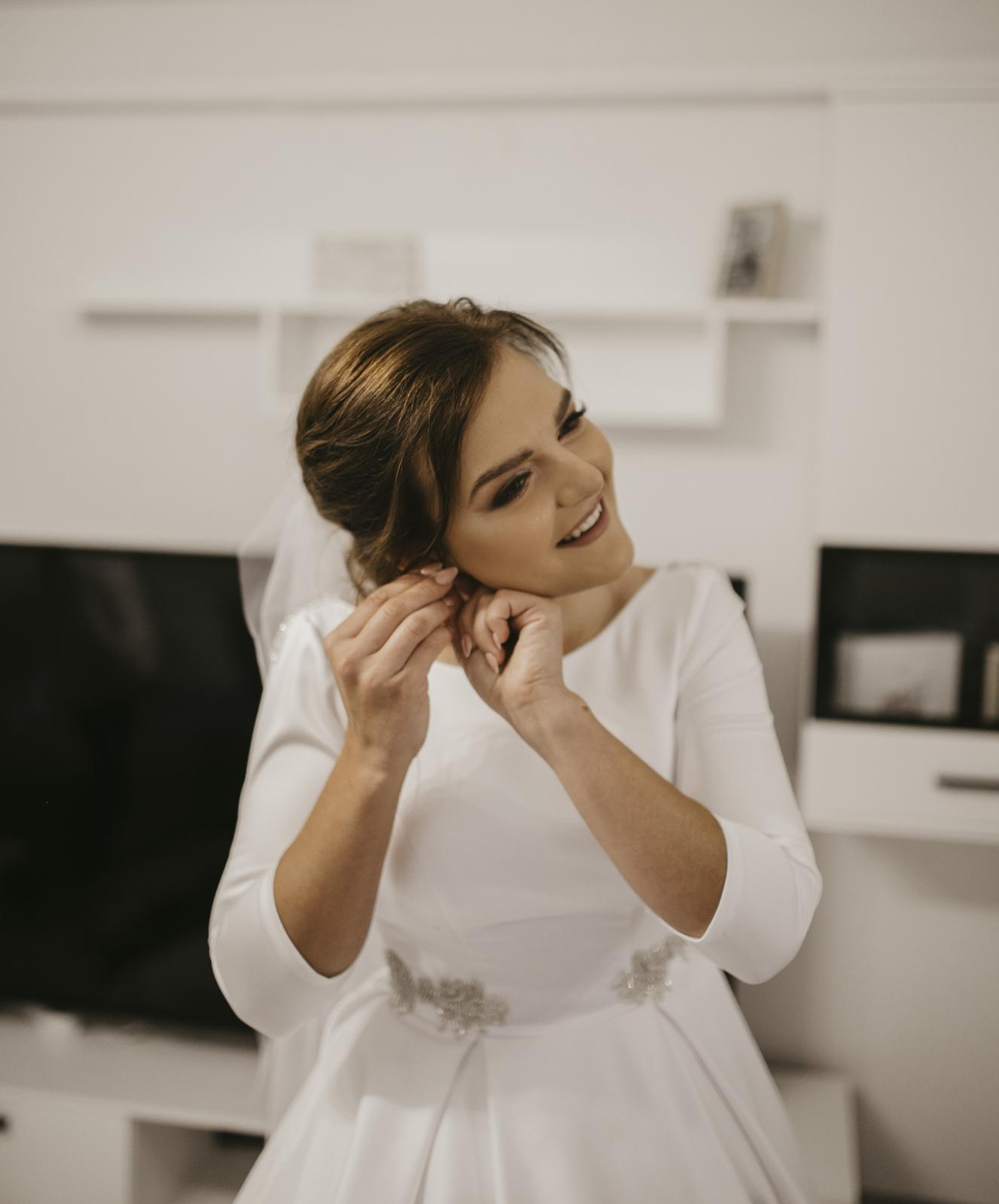 Predám svoje svadobné šaty - Obrázok č. 2