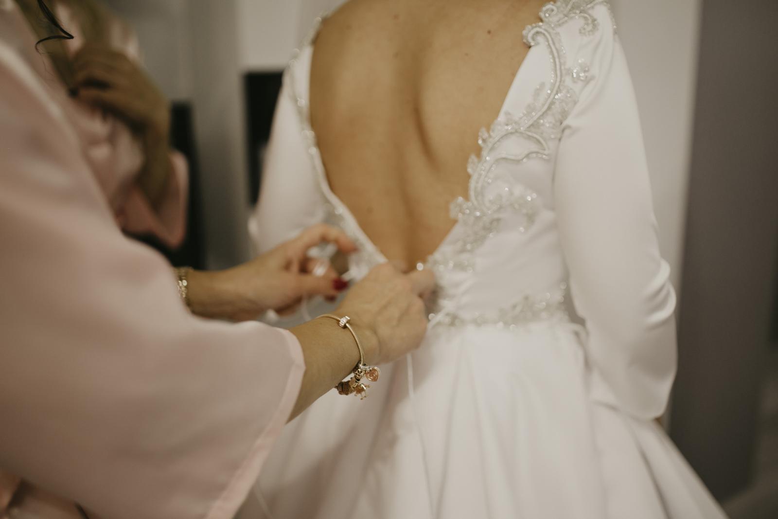 Predám svoje svadobné šaty - Obrázok č. 3