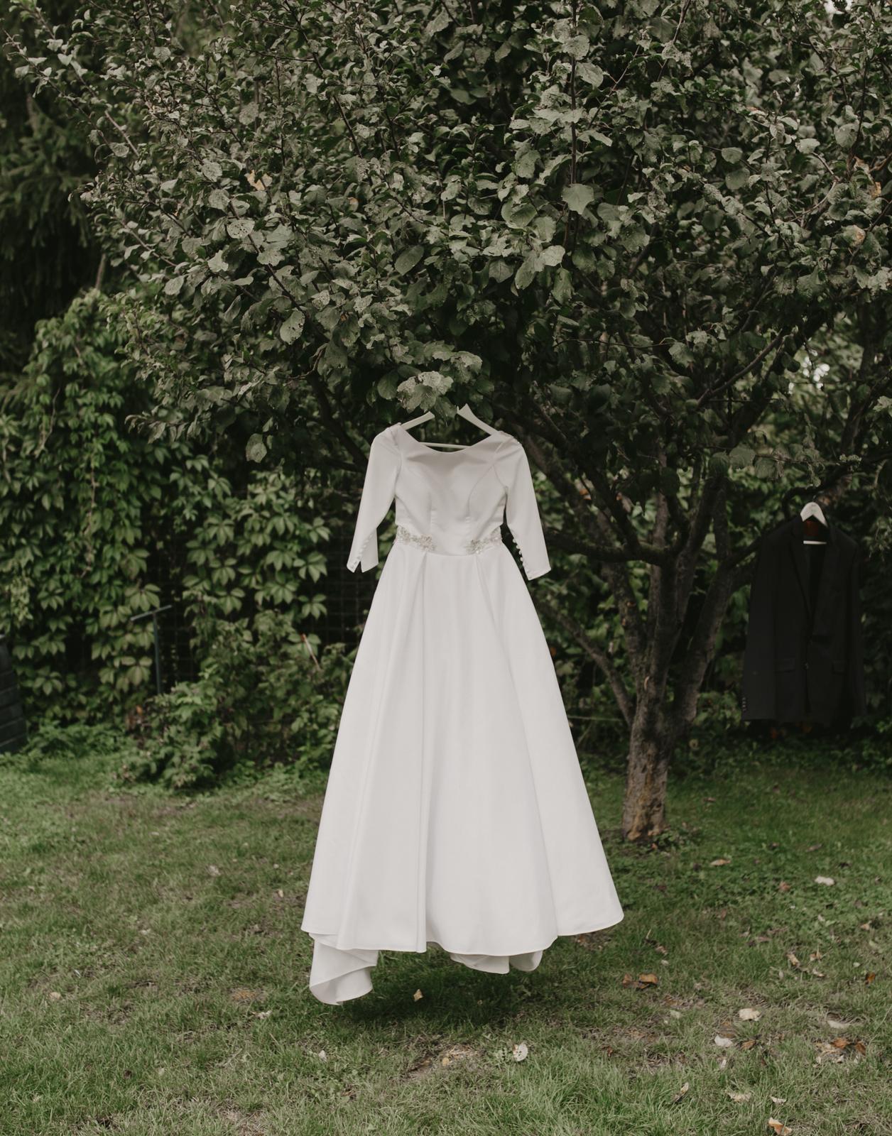 Predám svoje svadobné šaty - Obrázok č. 4
