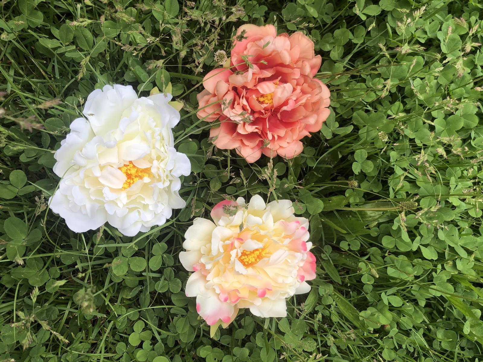 Umělé květy pivoněk nebo růží - Obrázok č. 1