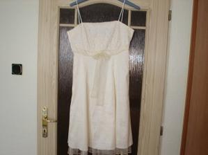 Tak to jsou moje šaty na převlečení:-)
