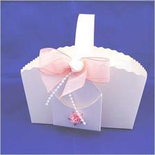 Košíček na svatební koláčky:-)