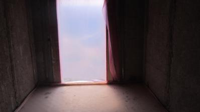 chodba, hala a pohled na venkovní dveře