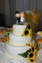 naša krásna svadobná tortička