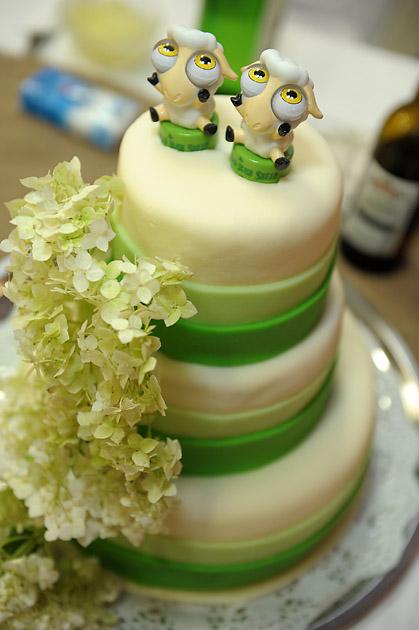 Blažka a{{_AND_}}Cyroško Ceľuchovci - Aj strúhadlá môžu poslúžiť ako postavičky na tortu....