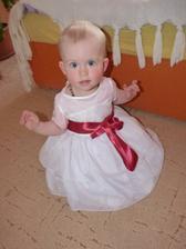 Naše princeznička malá - stuha se musí ještě nechat přišít, aby byla napevno.
