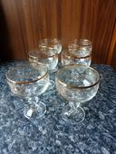 starožitné poháre na víno,