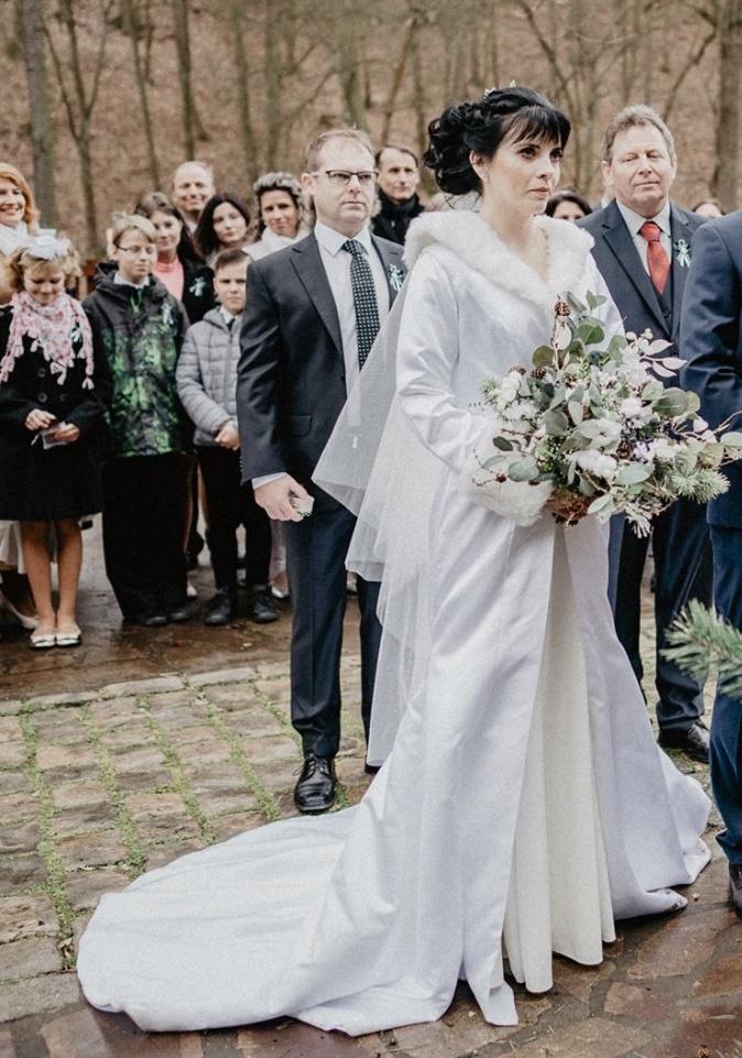 Svatební zimní kabát - Obrázek č. 1