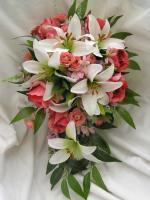 taková květina by se mi moc libila, ale nechci vysící a místo růžových růží bych chtěla modré :)