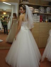 Moje svatbní š. zezadu
