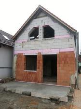 vytiahnuté poschodie a zaliata terasa