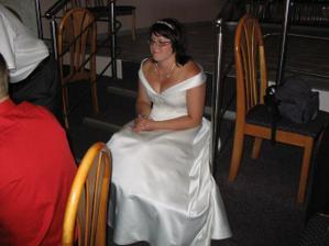 unavená nevěsta po tanci