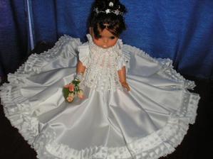 bábika na auto od svedka Jarušky