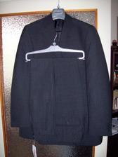 a toto je oblek pro zenicha