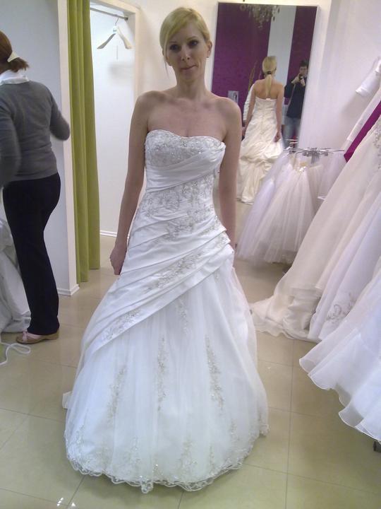 Svadobné šaty - Eddy K - Halo