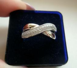 Nový zásnubní prstýnek...