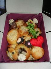 takto to vypadá v krabičkách uvnitř... :)))    všem moc chutnalo,  kdo se  nám ozval, po snězení.. :))))