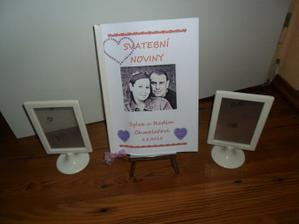 stojánek a svatební noviny   a dva rámečky  na fotky naše..  :)))