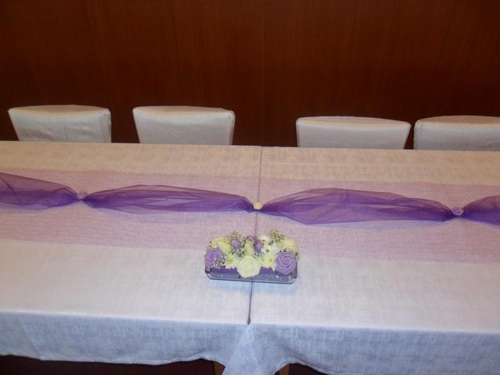 Jak vznikala svatební tabule a candys bar - květinka    mnou vyrobená...   nechtěla jsem klasickou ikebanu..    tohle se mi páčilo velmi..  a jednoduchéé  a levnééé  holky  nechte se inspirovat :)))