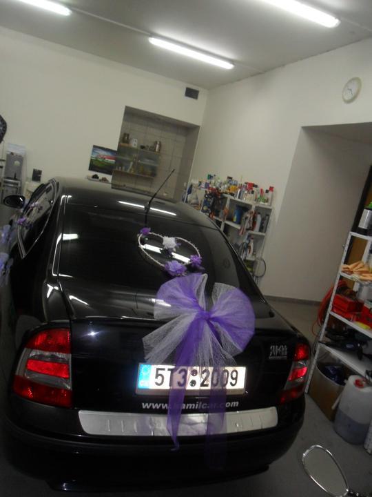 V pátek před dnem D jsem si jela  přichystat ještě auto...   vše vlastní výroba.. - Obrázek č. 3