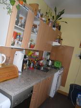 stará kuchyň..  prd se do ní vešlo  ... už je zbouraná :))