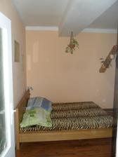 byt 2+1...  bohužel   ložnice s obyvákem..   pěkně na prd..  ...  postele kus ukradeného místa..    už nikdy více :)))