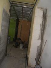tady je pohled z předsíně do obýváku