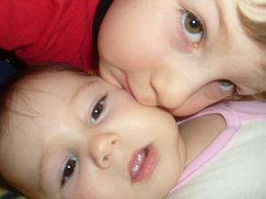 máme dvě nádherné děti...které budou stát u oltáře s náma... :)))