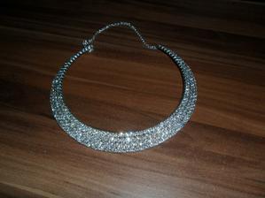 tak už mám i náhrdelník...  je nádhernýýýýýý
