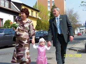 Manželovi rodiče s naším miláčkem Kristýnkou