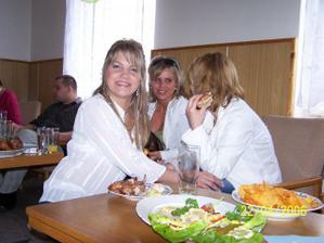 už převlečená s Michalkou a Janičkou